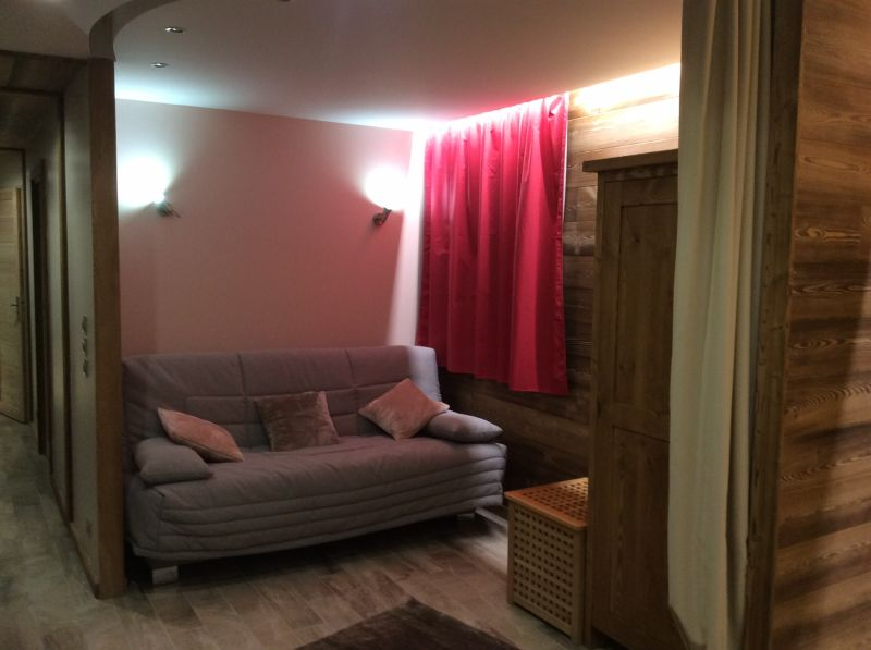 Open sleeping nook Location Apartment 103673 Risoul 1850
