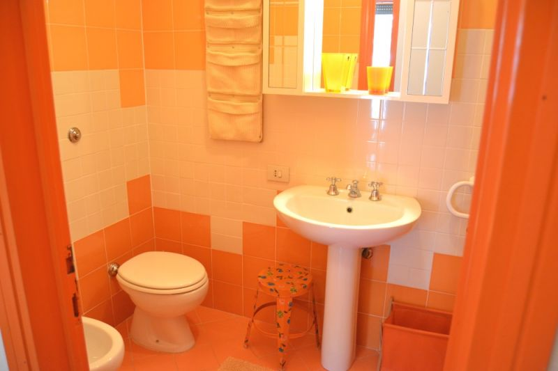 bathroom Location Apartment 109712 San Vincenzo