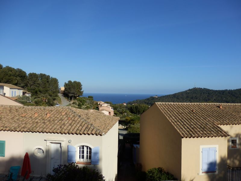 View of the property from outside Location Villa 110052 Agay