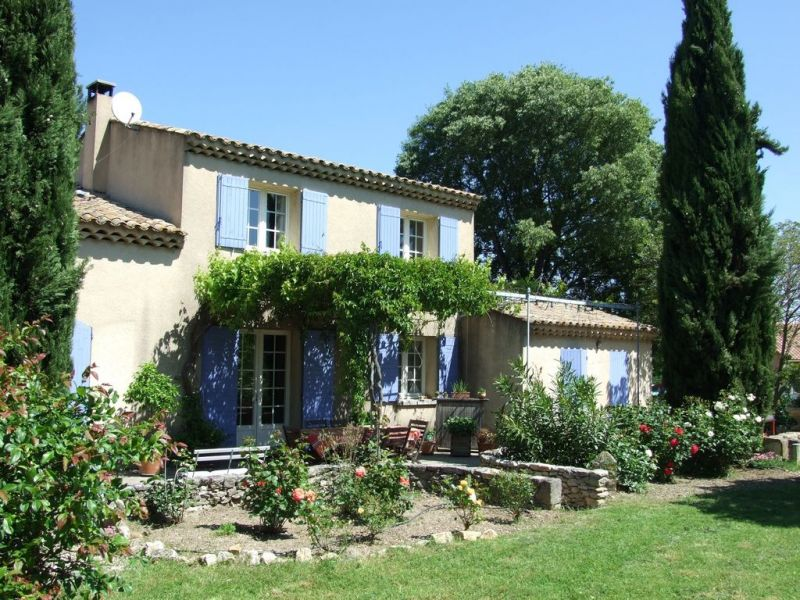 View of the property from outside Location House 112732 Saint Rémy de Provence
