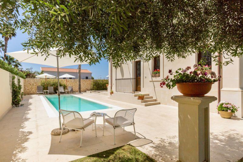 Location Villa 116290 Noto