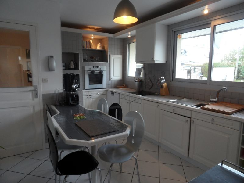Separate kitchen Location Villa 82006 Roscoff