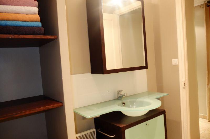 Half bath Location Apartment 96723 Menton