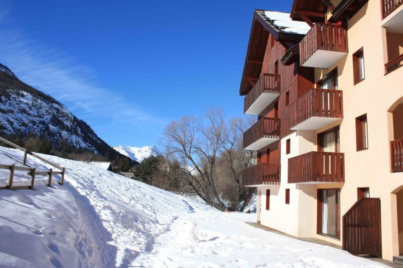 View of the property from outside Location Apartment 106783 Serre Chevalier
