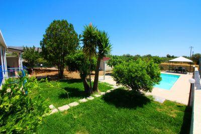 Swimming pool Location Villa 112125 Syracuse