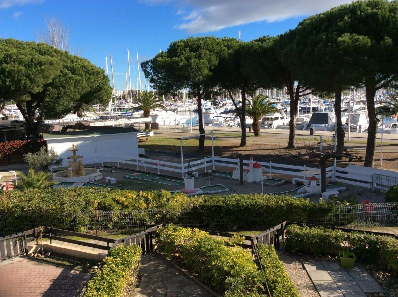 View from the balcony Location One-room apartment 112800 Port Camargue