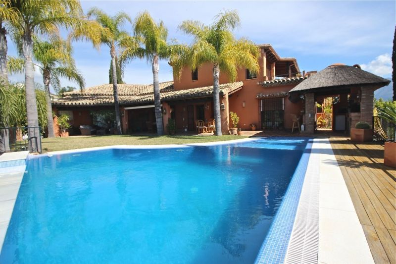 View of the property from outside Location Villa 118980 Marbella
