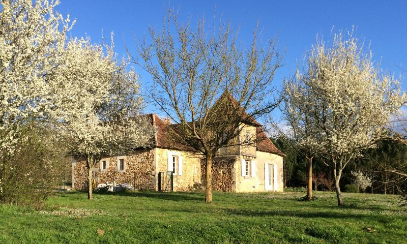 View of the property from outside Location House 73192 Bergerac
