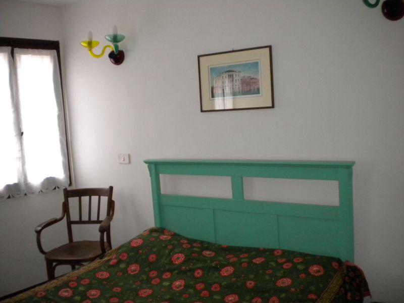 bedroom Location Apartment 86011 Venice