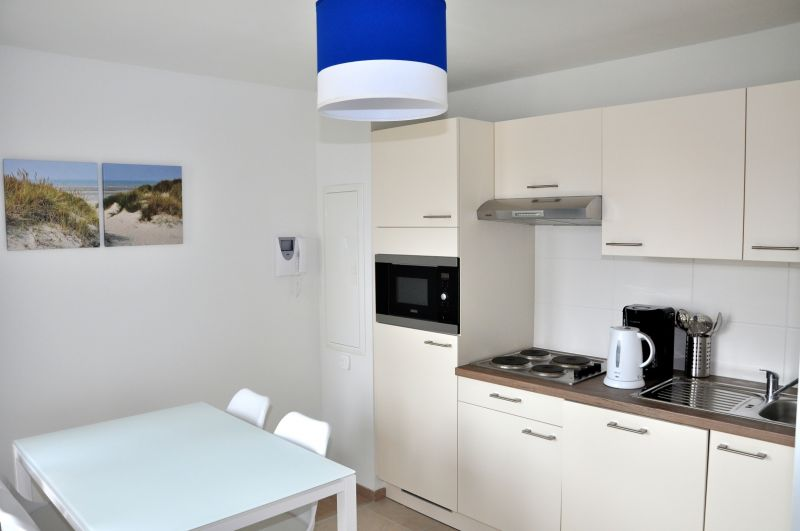 Open-plan kitchen Location One-room apartment 88543 Bray-Dunes