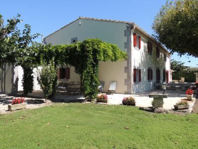 Hall Location Vacation rental 93925 Avignon