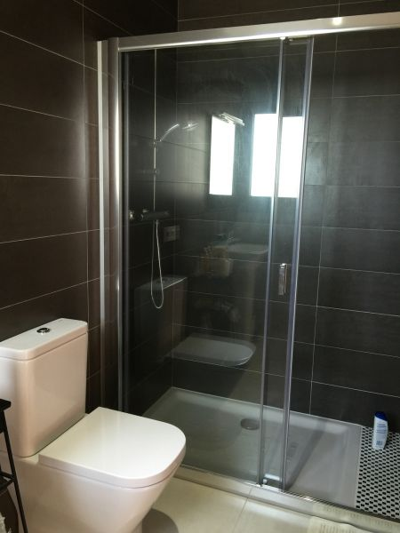 Half bath 3 Location Villa 102783 Rosas