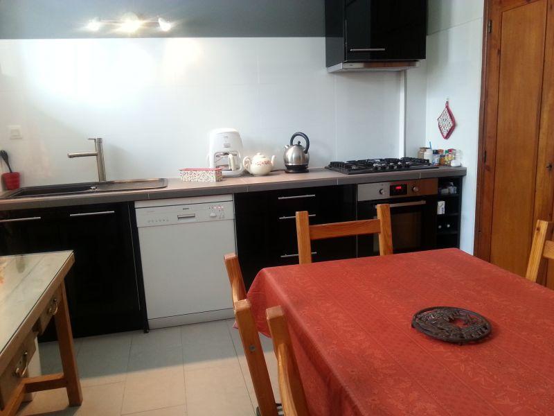 Separate kitchen 1 Location House 103270 Montgenevre