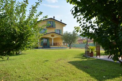 Location House 108493 Massarosa