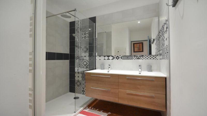 bathroom 1 Location House 116355 Arles