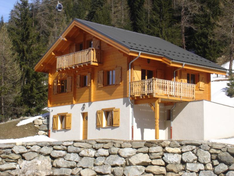 View of the property from outside Location Chalet 77170 Valfréjus
