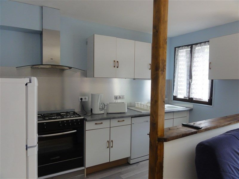 Open-plan kitchen Location Apartment 78239 Luz Saint Sauveur