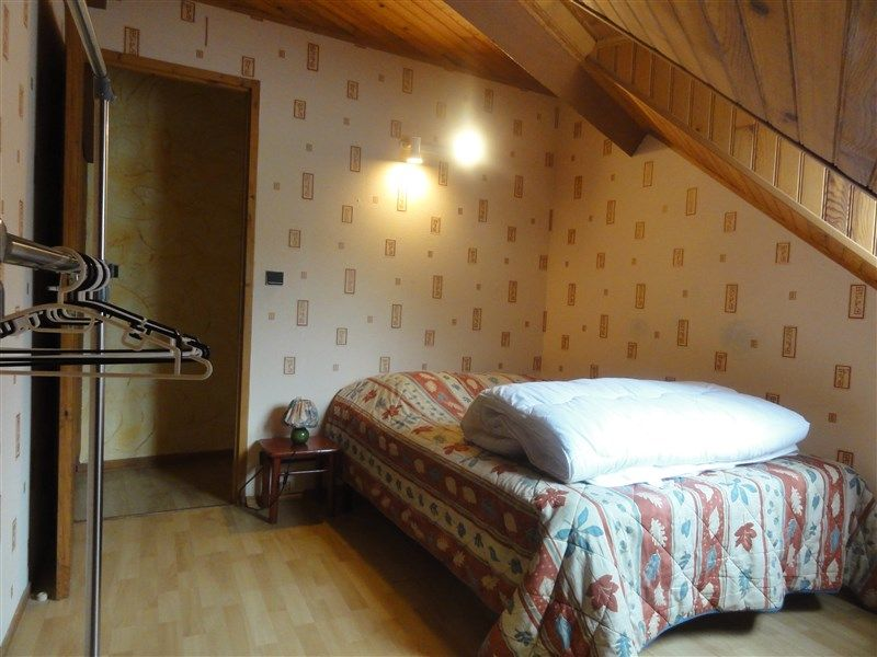 bedroom 1 Location Apartment 78239 Luz Saint Sauveur