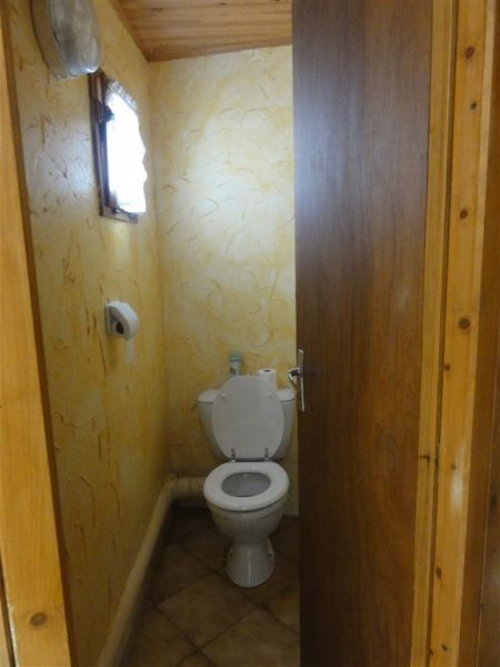 Bathroom w/toilet only Location Apartment 78239 Luz Saint Sauveur