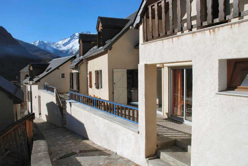 View of the property from outside Location Apartment 78239 Luz Saint Sauveur