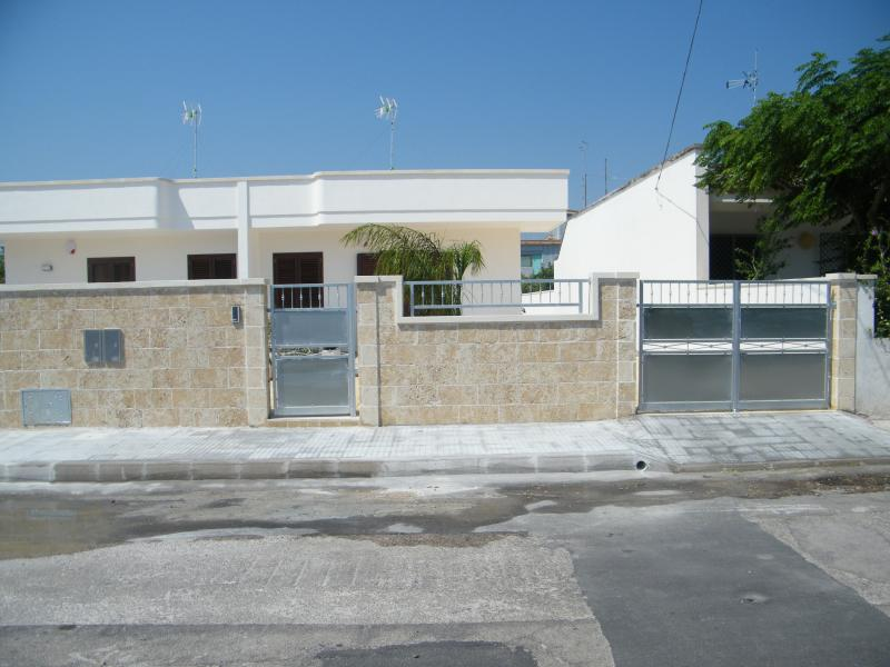 View of the property from outside Location Villa 79005 Torre Specchia - Melendugno