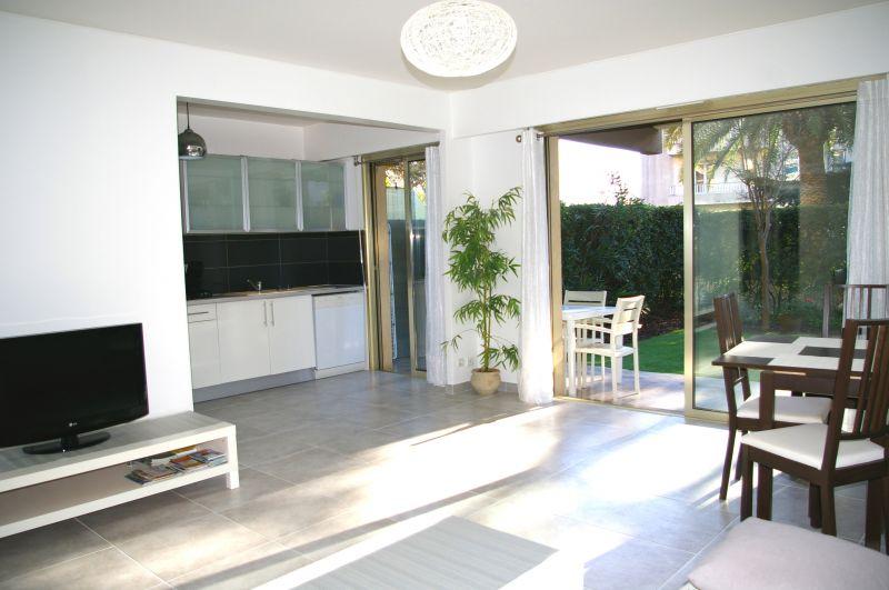 Living room Location Apartment 101412 Nice