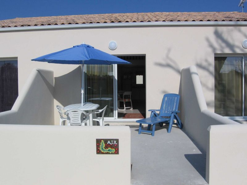 Location One-room apartment 104636 La Rochelle