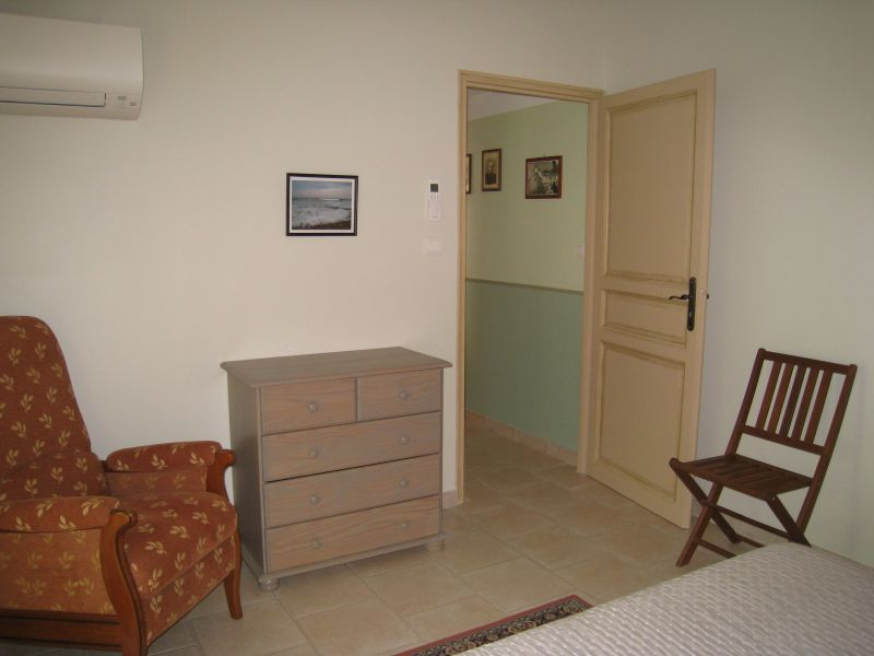 bedroom Location Vacation rental 113184 La Seyne sur Mer
