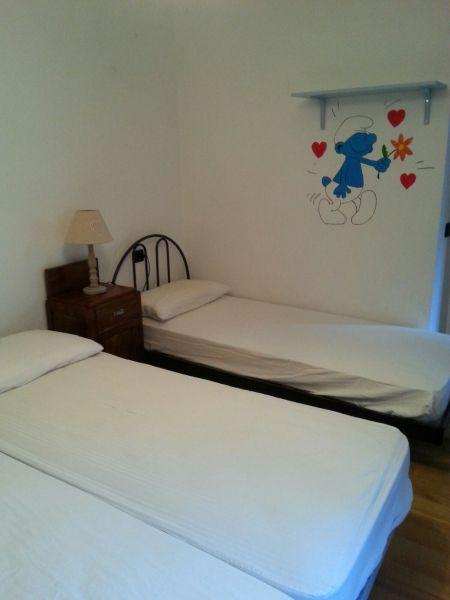 bedroom 2 Location Apartment 71327 La Salle