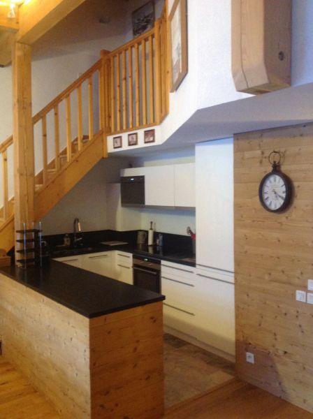 Open-plan kitchen Location Apartment 74411 Valloire