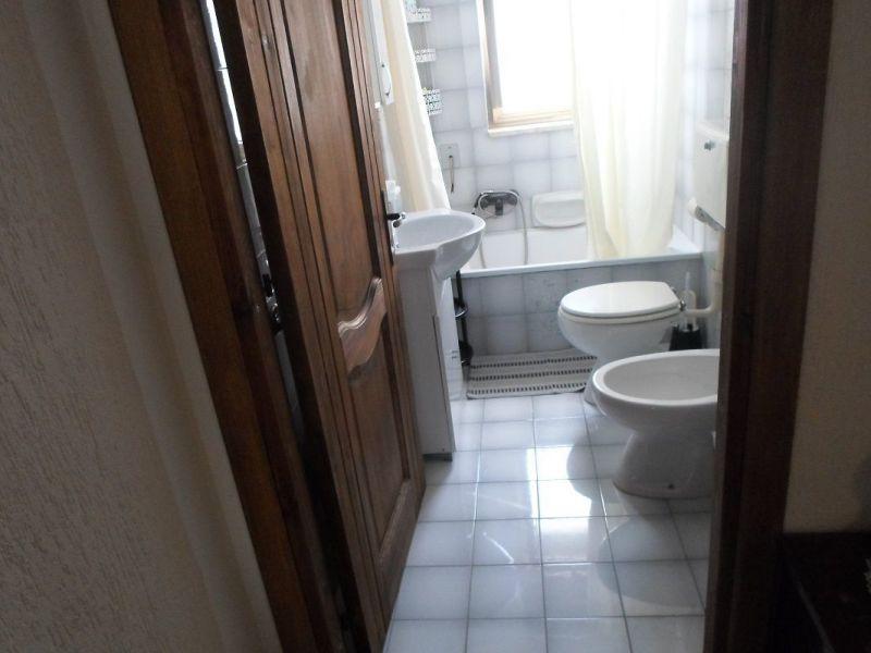 bathroom Location Apartment 86954 Pescoluse