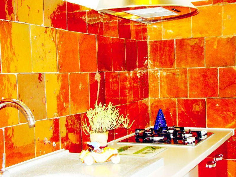 Open-plan kitchen Location House 105230 Le Pradet