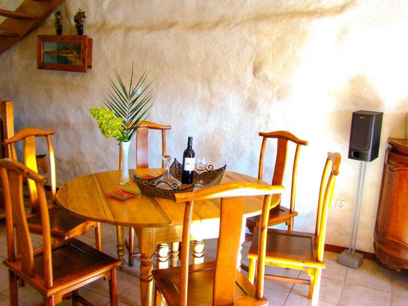 Living room 1 Location House 105230 Le Pradet