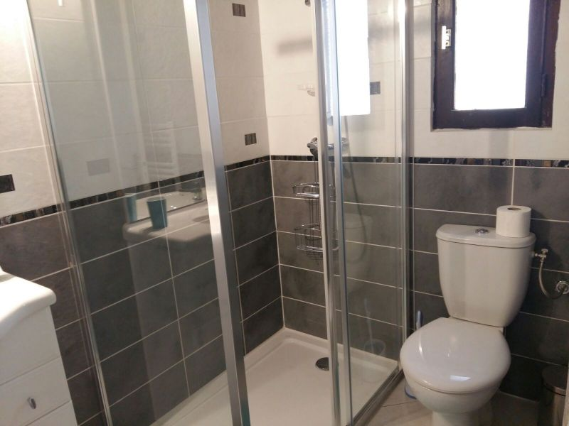 Half bath Location One-room apartment 105252 Porto Vecchio