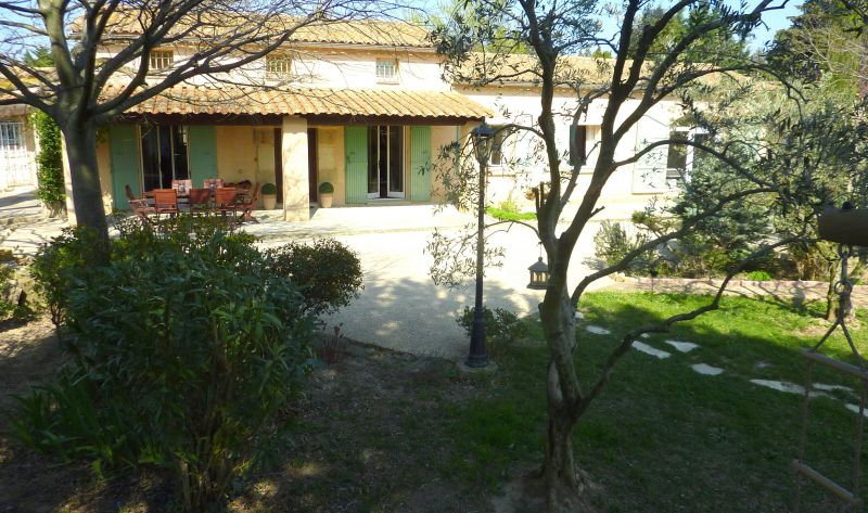 View of the property from outside Location House 113130 Avignon