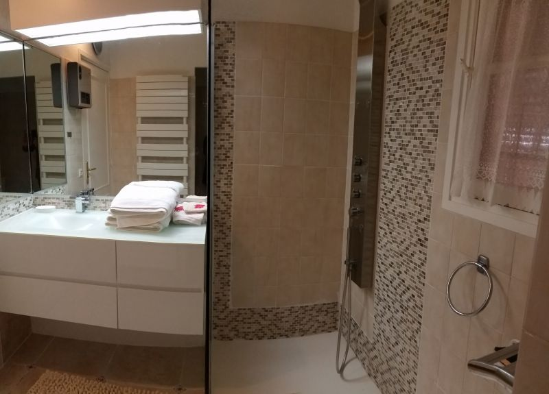 Half bath 1 Location Villa 114573 Porticcio