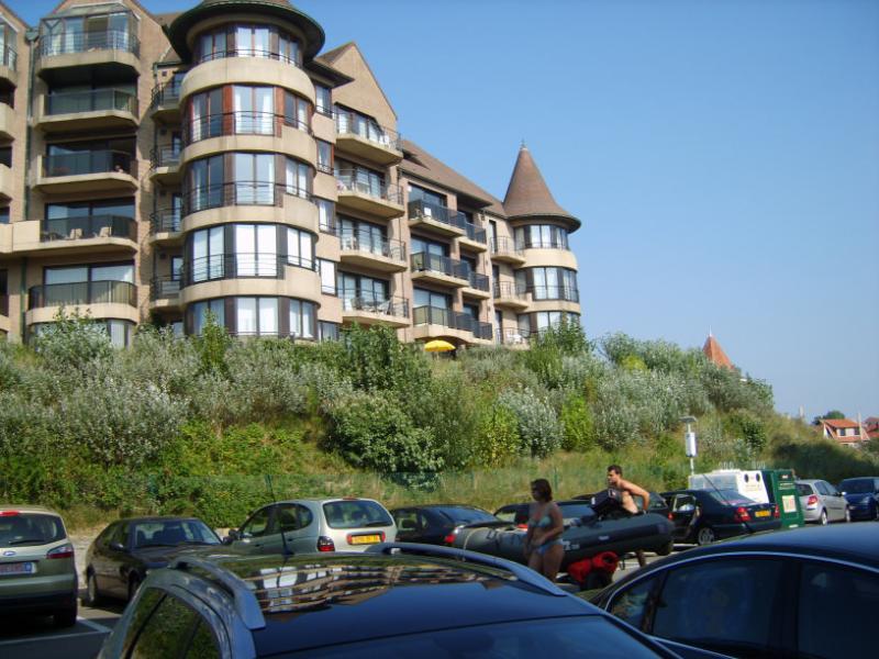 Surroundings Location Apartment 78706 De Panne
