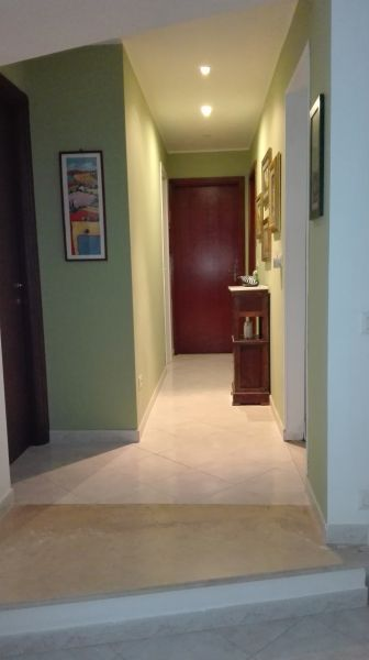 Corridor Location Apartment 84043 Avola