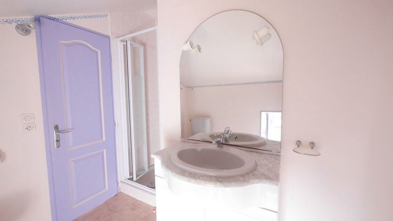 Half bath Location One-room apartment 7879 Porto Pollo