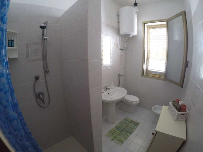bathroom Location Apartment 104376 Tre Fontane