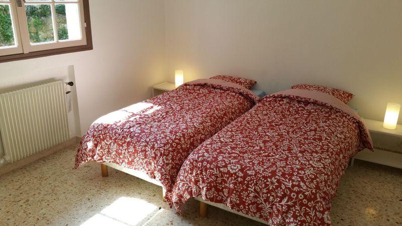 bedroom 2 Location Villa 113495 Golfe Juan
