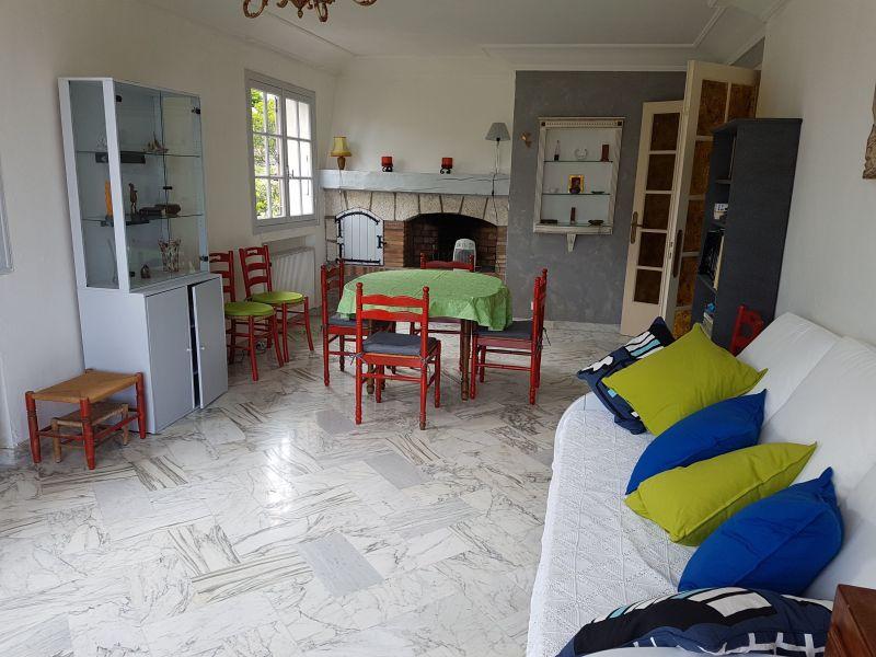 Living room 2 Location Villa 113495 Golfe Juan