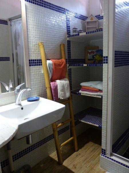 Half bath 2 Location Villa 116237 Saint Francois