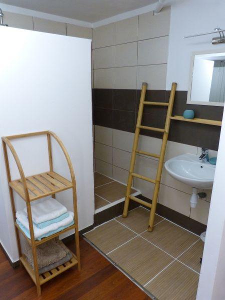 Half bath 3 Location Villa 116237 Saint Francois