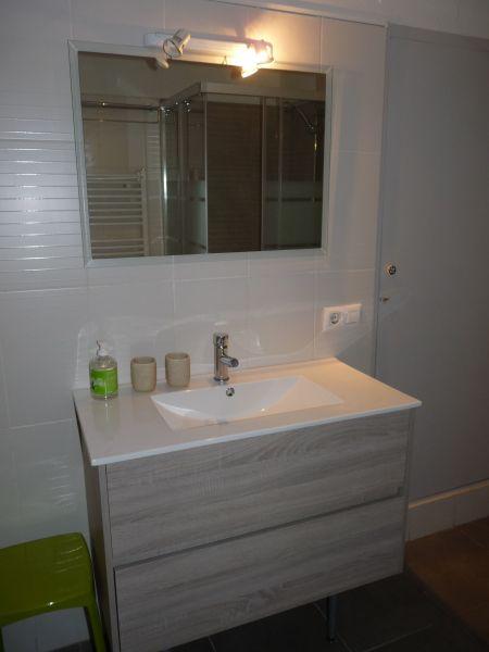 Half bath Location Apartment 63973 Rosas