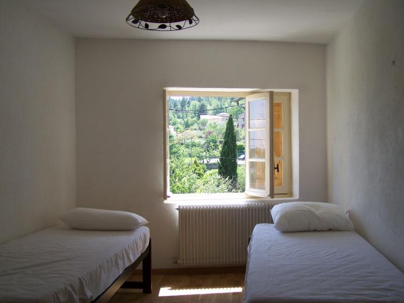 bedroom 2 Location House 71557 Aubenas