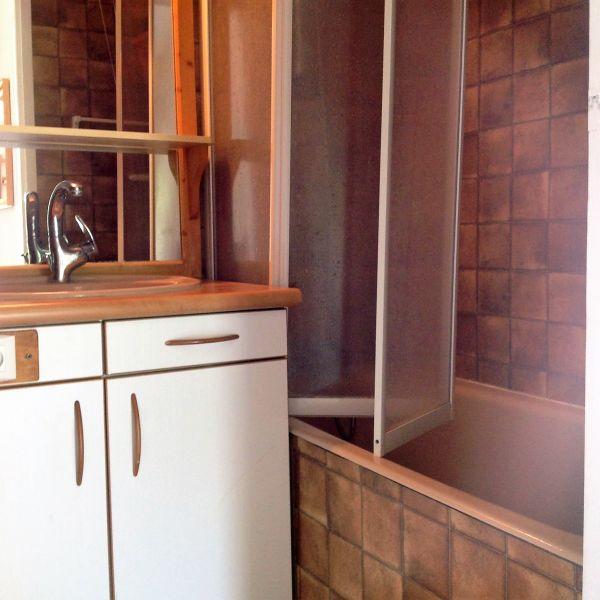 bathroom Location Apartment 65951 Risoul 1850