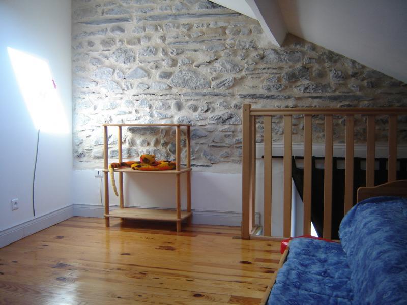 Mezzanine Location Apartment 69336 Lourdes