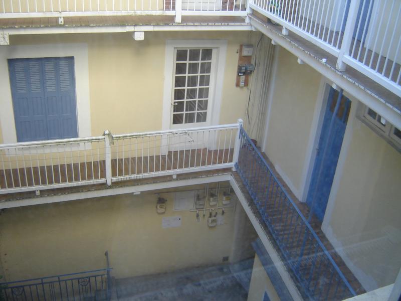 Courtyard Location Apartment 69336 Lourdes