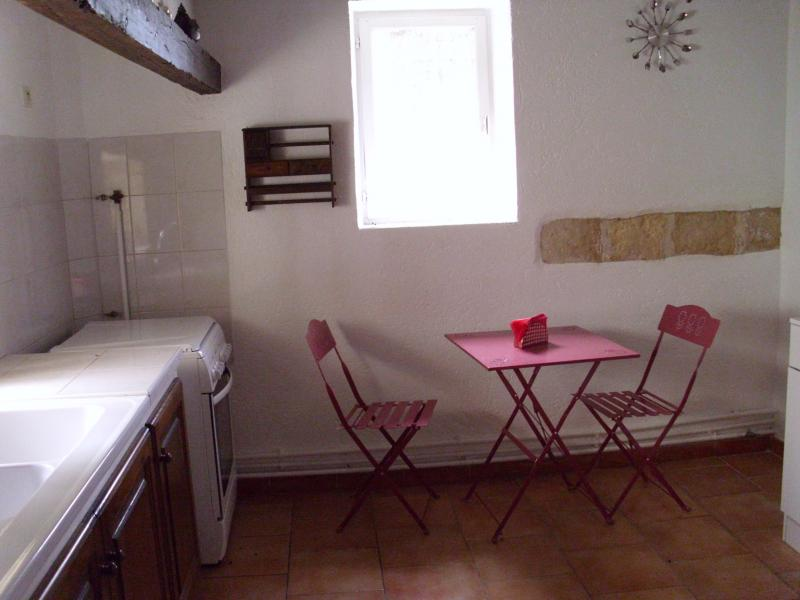Separate kitchen Location Vacation rental 71957 Arles
